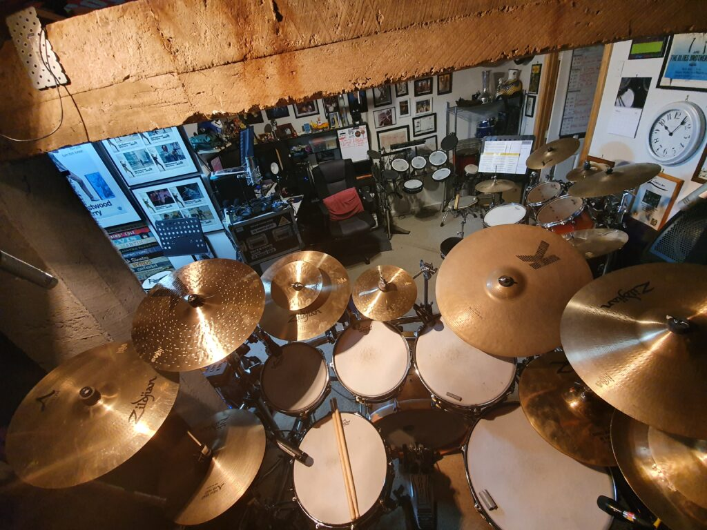 Recoding drum kit with extensive Zildian cymbals